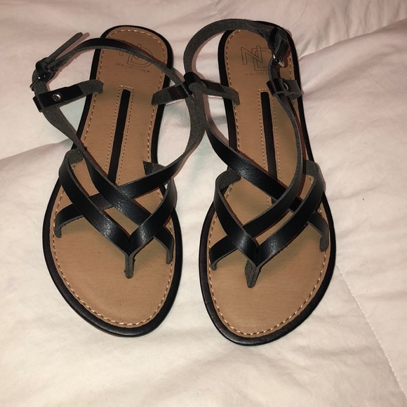 new directions Shoes - Sandals